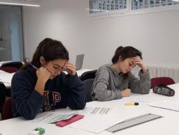 Colegialas del Mara preparando los exámenes - Colegio Mayor en Madrid - Colegio Mayor Mara