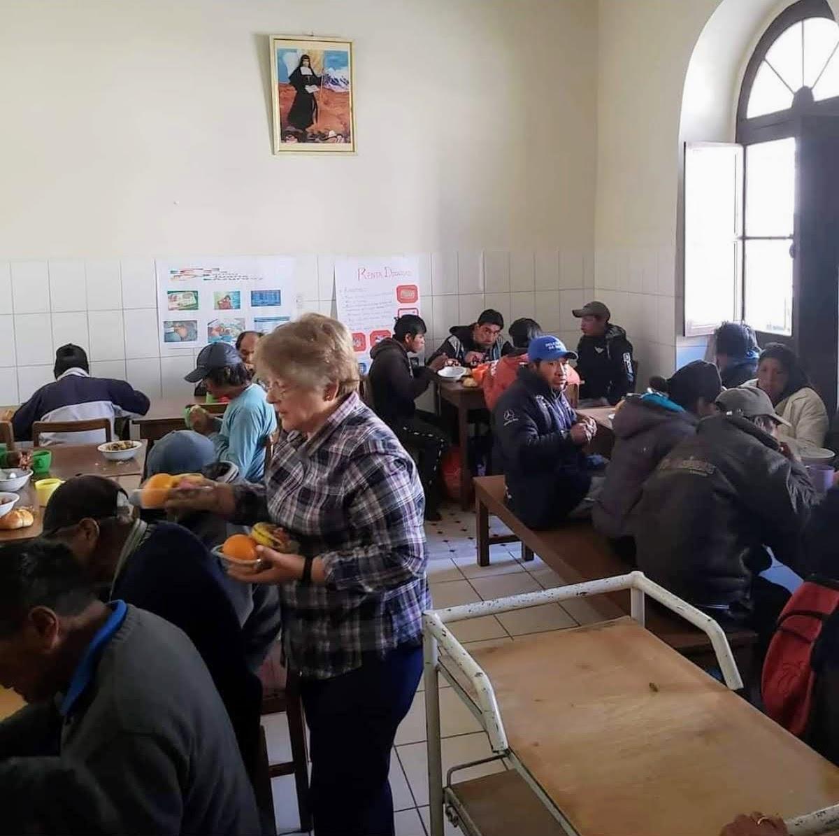 Colegialas y voluntariado - Colegialas del Colegio Mayor Mara y voluntariado internacional - CMU Mara - Colegio Mayor en Madrid